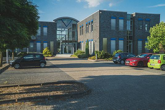 Modernes Bürogebäude in Stolzenau!