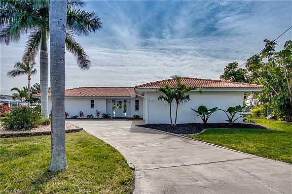 Fantastic villa in Cape Coral right on the water