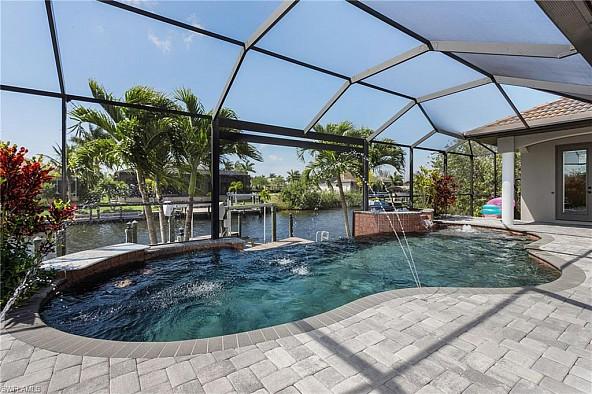 Boater´s dream - Traumhafte Villa mit Pool und Golfzugang