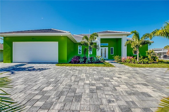 Magnificent home in beautiful Cape Coral