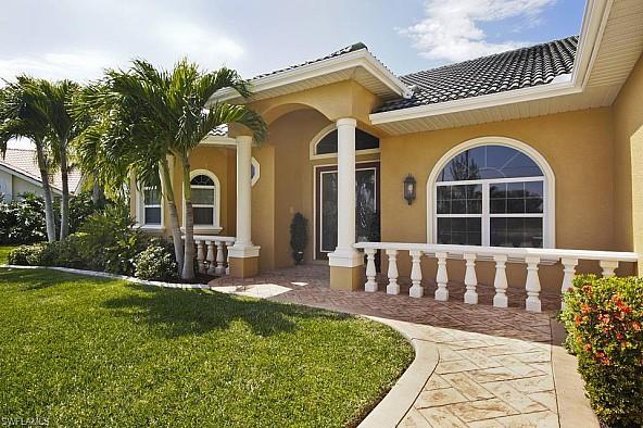 Atemberaubende Aussicht aus einer wundervollen Villa in Cape Coral