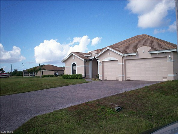 Luxury pool home in Cape Coral